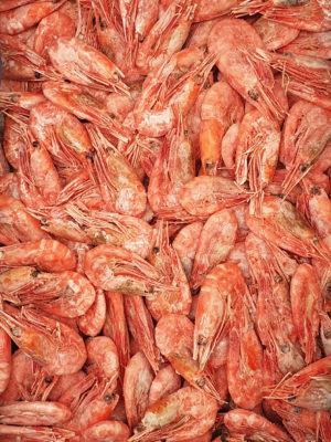 Krevetės virtos, nelukštentos, šaldytos. Dydis 90-120vnt/kg. Kaina 12,00 €/kg